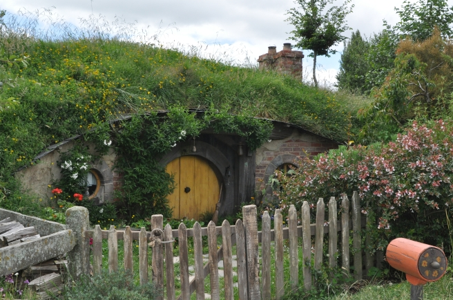 dreamstime_xxl_37950373 Hobbit Home