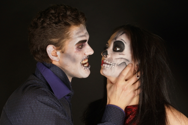 dreamstime_xxl_84938439 couple in scary Halloween makeup
