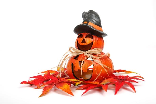 dreamstime_xxl_96262792 jack o lanterns smiling fall image