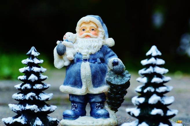 dreamstime_xxl_82958876 blue santa christmas decorations