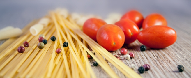 dreamstime_xxl_83022525 dried pasta spaghetti cherry tomatoes peppercorns