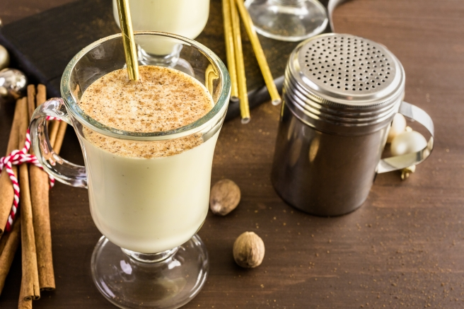 dreamstime_xxl_88119238 egg nog