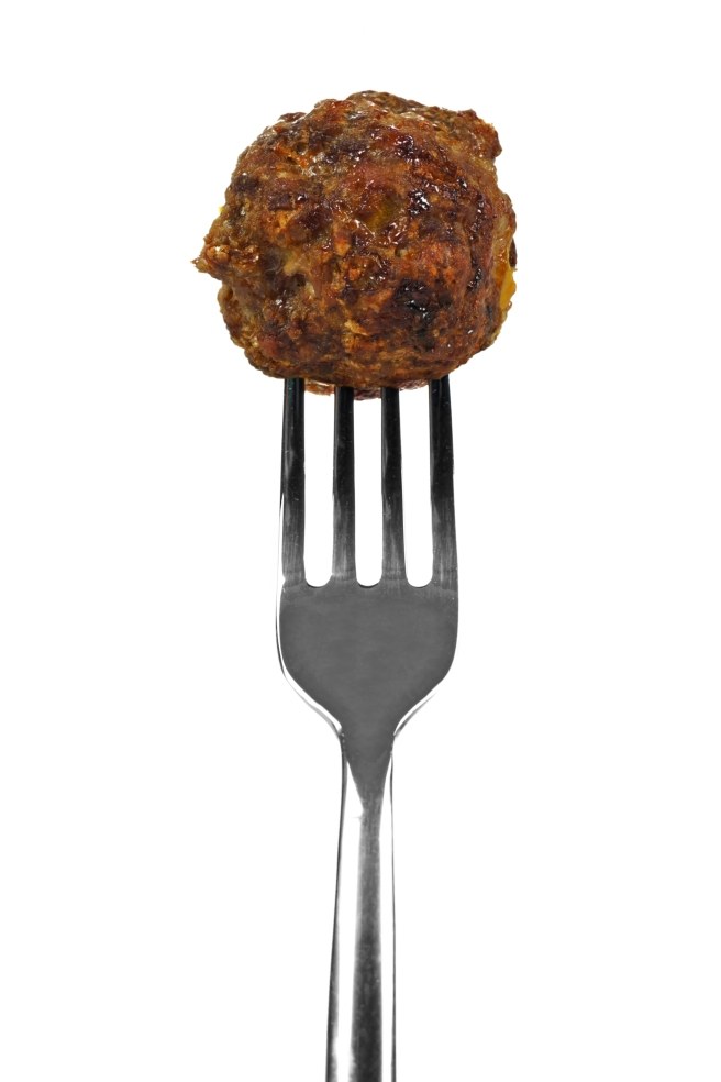 dreamstime_xxl_41902503 meatball food fork