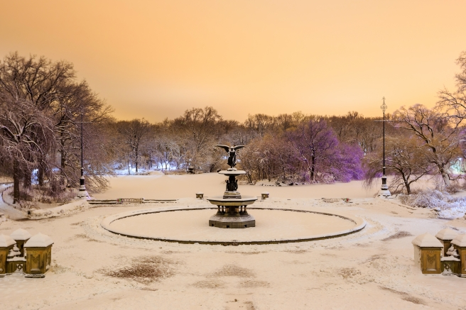 dreamstime_xxl_53986402 NYC Bethesda Fountain snow Central Park