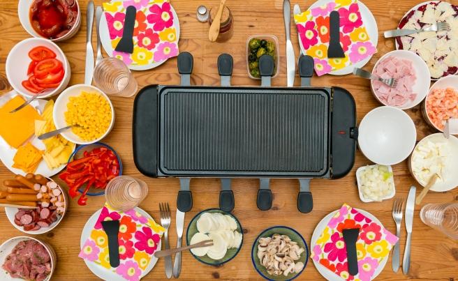 dreamstime_xxl_35543534 raclette food