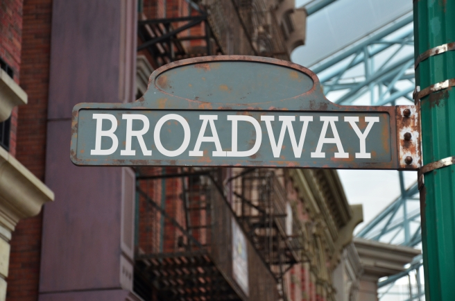 dreamstime_xxl_72549146 BROADWAY sign