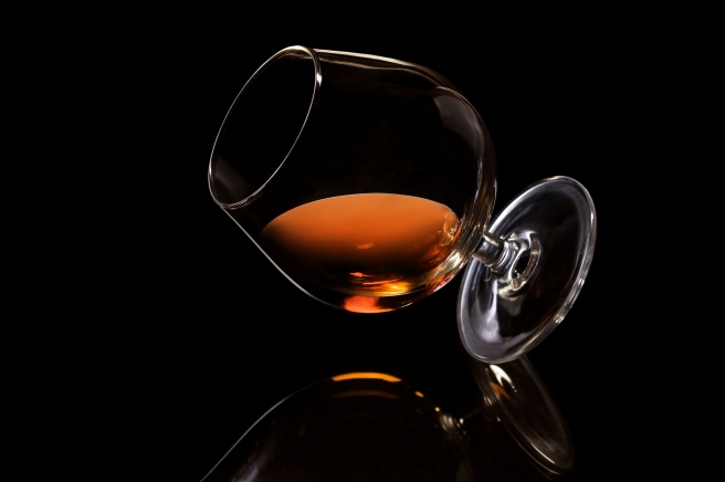 dreamstime_xxl_19024223 cognac alcohol