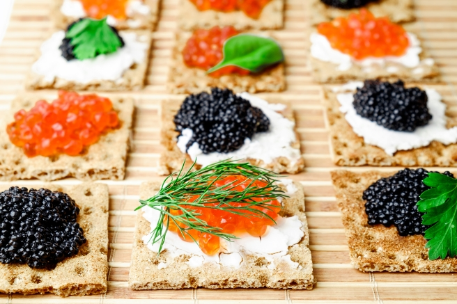 dreamstime_xxl_66966366 Russia Food Caviar Canapes