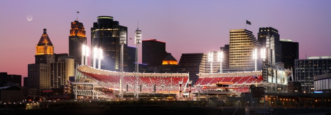 dreamstime_xxl_29608229 Great American Ball Park and Cincinnati skyline